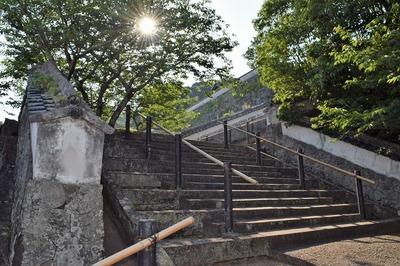 松浦史料博物館への階段.jpg