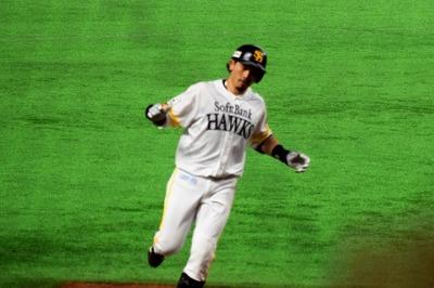 松田選手ホームラン1.jpg