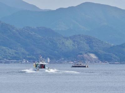 橘ぐりと漁船.jpg