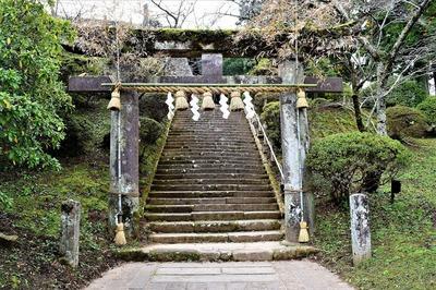 武雄神社鳥居.jpg