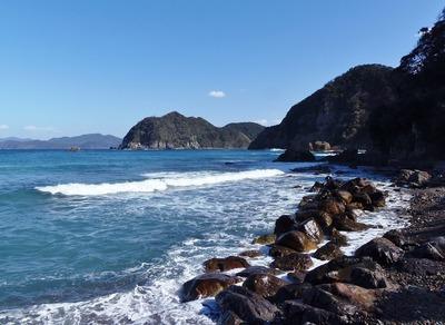 段浦海岸と男波.jpg