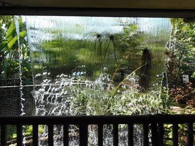 水のカーテン3.jpg
