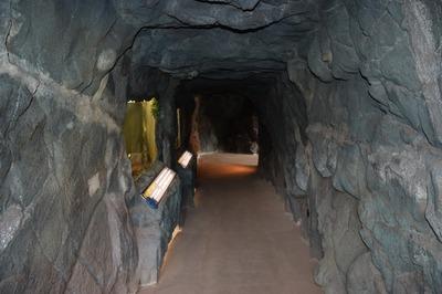 洞窟2.jpg