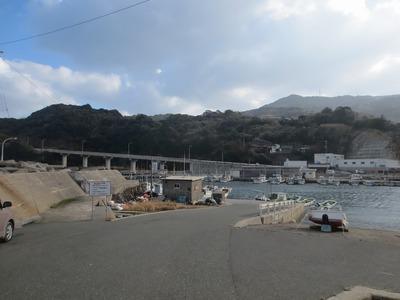 津黄漁港と町並み1.jpg