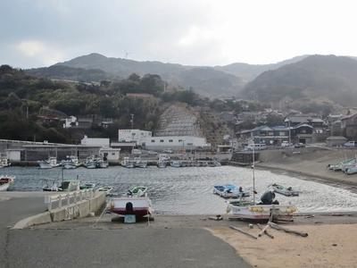 津黄漁港と町並み2.jpg