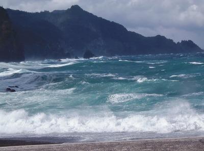 海上アルプス青海島VS男波2.jpg
