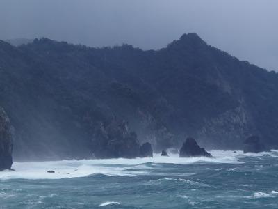 海上アルプス青海島VS男波3.jpg