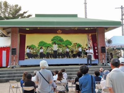 深川中学校の吹奏楽部演奏.jpg