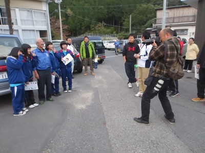 濱野代表と記念撮影2.jpg