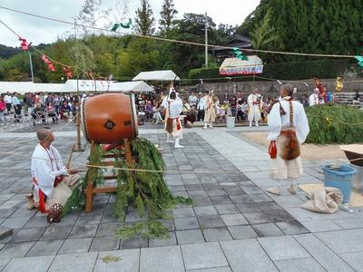 火渡り前儀式3.jpg