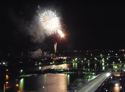 王子山公園広場からの花火1.jpg