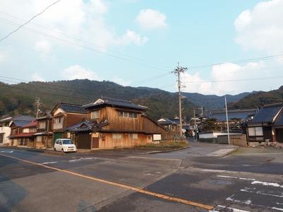 田ノ浦の家並み.jpg