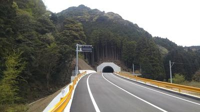 砂利ヶ峠トンネル1.jpg