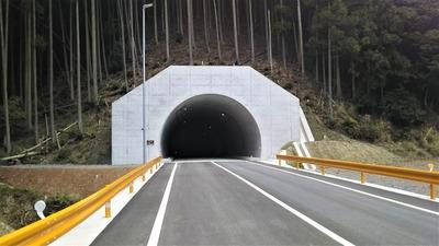 砂利ヶ峠トンネル2.jpg