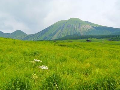 米塚からの杵島岳.jpg
