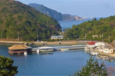 紫津浦湾と日本海.jpg