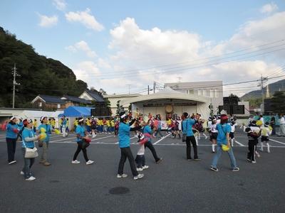 総踊り1.jpg