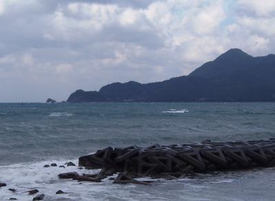 花津浦と高山.jpg