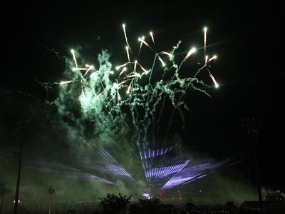 花火と炎とレーザーの共演!2.jpg