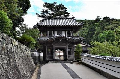 西圓寺山門.jpg