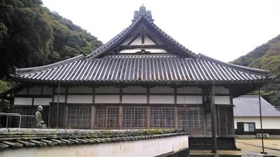 西圓寺本堂1.jpg