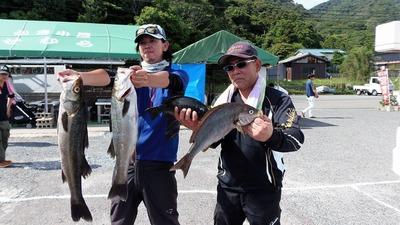 親子釣り師.jpg
