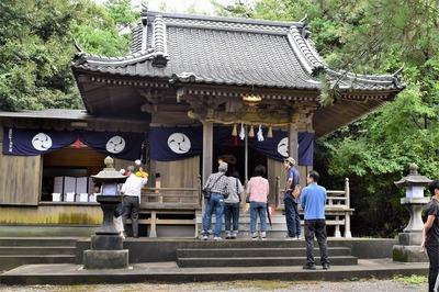 赤崎神社拝殿.jpg