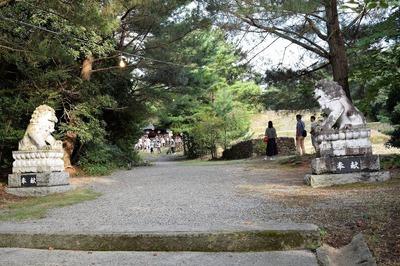 赤崎神社狛犬.jpg