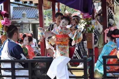 踊り子の優美な舞4.jpg