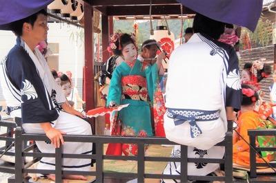 踊り子の優美な舞5.jpg