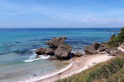 透き通った青い海.jpg