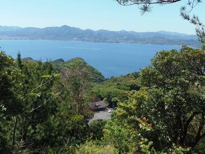 途中の眺望・高山オートキャンプ場管理棟・深川湾.jpg