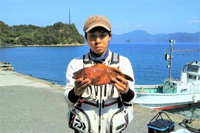 釣り師とキジハタ.jpg