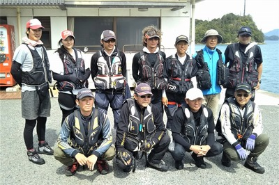 釣り師グループ記念撮影.jpg