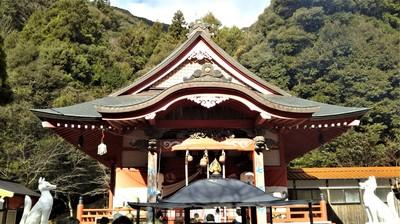 長門豊川稲荷拝殿1.JPG