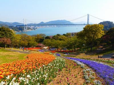 関門橋と季節の花3.4.13.jpg