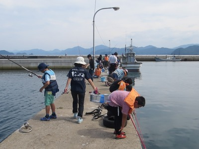 防波堤魚釣り2.jpg