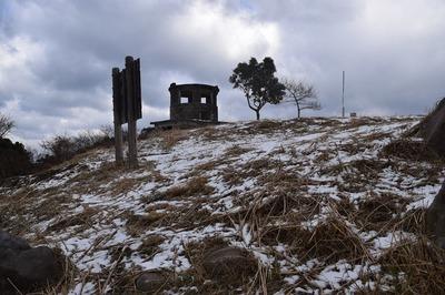 雪の高山山頂.jpg