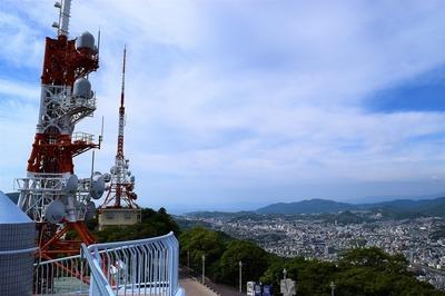 電波塔と長崎市街地.jpg