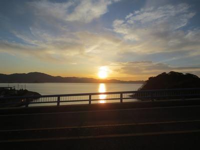 青海大橋からの夕陽1.jpg