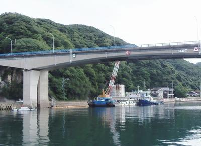 青海大橋そばの護岸工事3.jpg