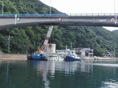 青海大橋そばの護岸工事4.jpg