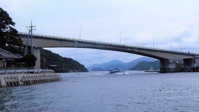青海大橋とシータス.jpg