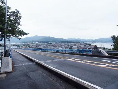 青海大橋と仙崎の町並み.jpg