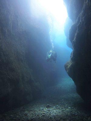 青海島の「青の洞窟」.jpg