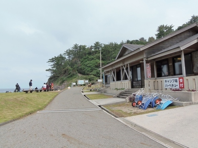 青海島キャンプ村・管理棟.jpg