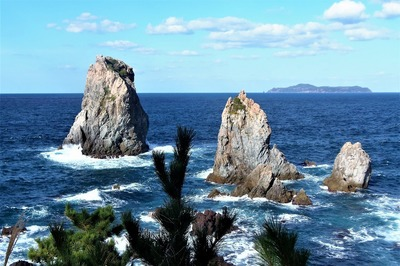 青海島ベストビュー候補・カモメ岩と十六羅漢.jpg