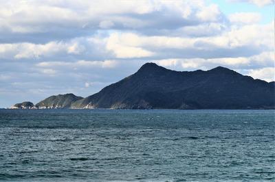 青海島・竹の子鼻と高山.jpg