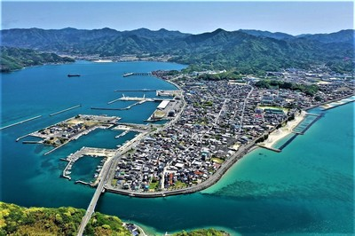 青海島上空からの仙崎.jpg
