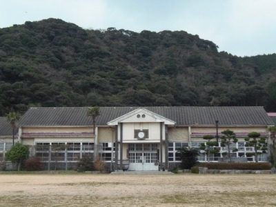 青海島共和国・国会議事堂.jpg